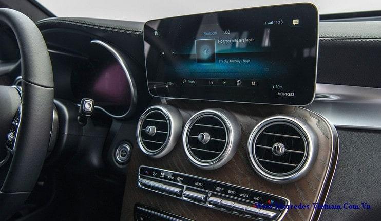 2 tỷ 039 là giá xe Mercedes GLC 200 4Matic 2020 mới nhất hiện nay