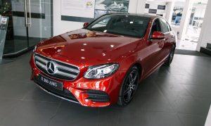 Bạn sẽ bị cuốn hút bởi ngoại thất thể thao của Mercedes E300 AMG 2021