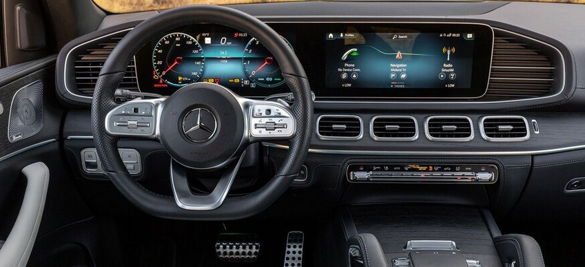 So sánh giữa Mercedes GLE 450 và BMW X5 xDrive40i 2 đối thủ SUV của nhau