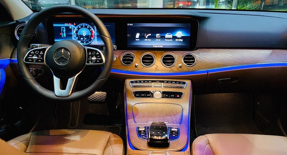 Bảng giá lăn bánh Mercedes E200