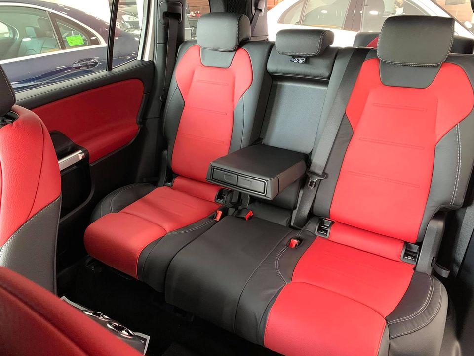 """Mercedes GLB 200 có thêm màu """" Nội Thất Đỏ """""""