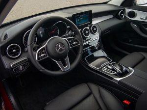 Tìm hiểu về dòng xe Sedan hạng sang, trẻ trung Mercedes C180