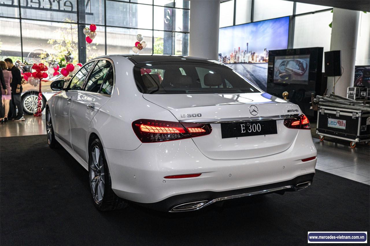 Mercedes E300 AMG 2021