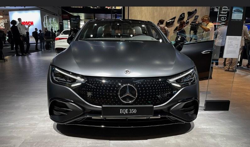 Mercedes EQE 2023 Cái nhìn đầu tiên: Em bé EQS sẽ lớn